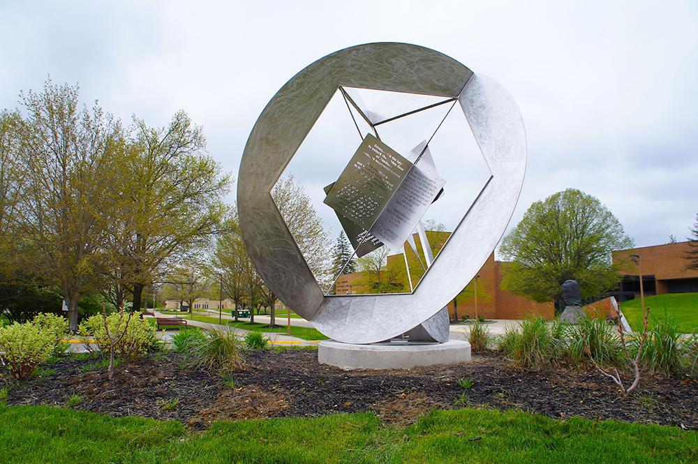 Jon Barlow Hudson : Sculpture, Public Art, Landscaping